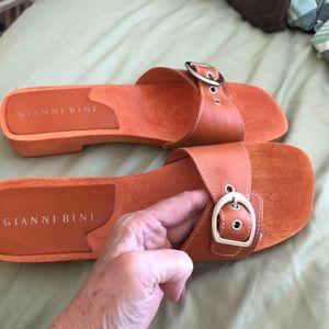 Gianni Bini 9.5 'Camera' Wooded Low Block Heel New